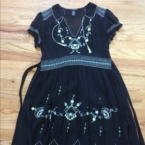 Lucky Brand black dress w/white floral embroidery